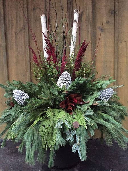 Custom winter planter, large